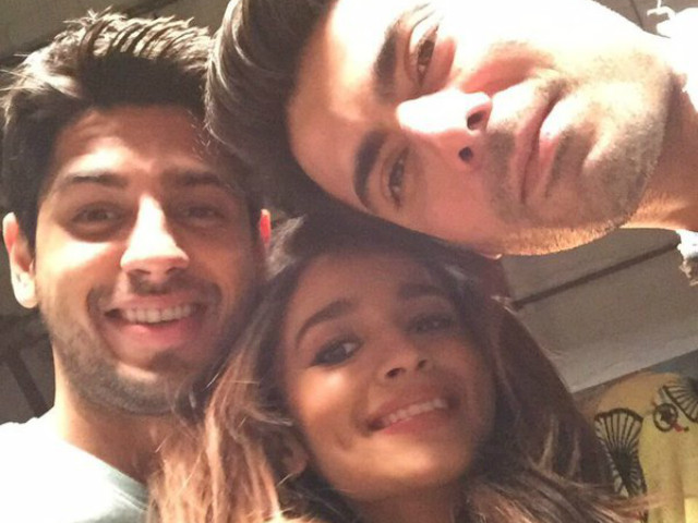 KJo took to Twitter to share a selie of the trio. PHOTO: TWITTER