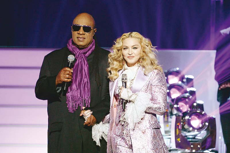 Critics said Stevie saved the performance from turning into a disaster. PHOTO: PUBLICITY
