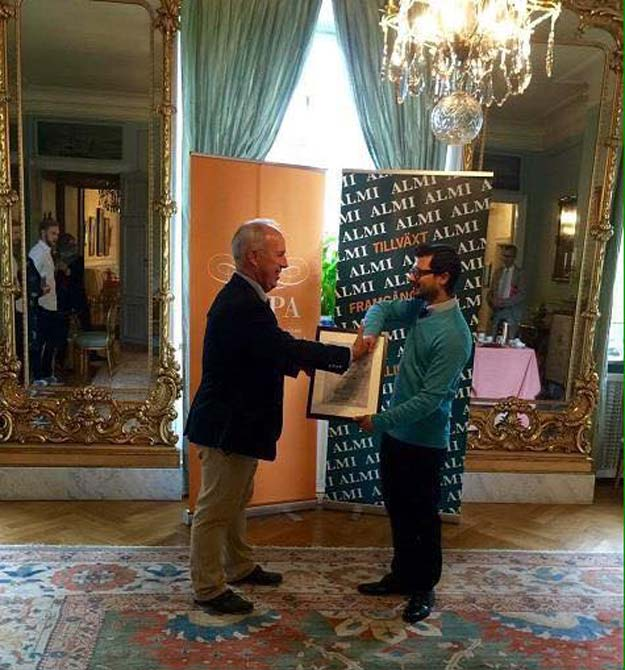 Governor of Gävleborg County, Per Bill presenting SKAPA Development Prize 2016 to Usman Haider at a ceremony held at Gävle Castle, Sweden PHOTO: Embassy of Pakistan, Berlin