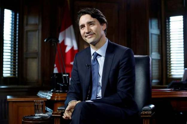 Canada's Prime Minister Justin Trudeau takes part in an interview with Reuters in his office on Parliament Hill in Ottawa, Ontario, Canada, May 19, 2016. PHOTO: REUTERS