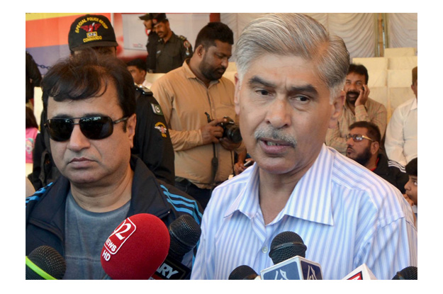 Sindh IG Ghulam Hyder Jamali talking to media during Police Sports Festival. PHOTO: INP