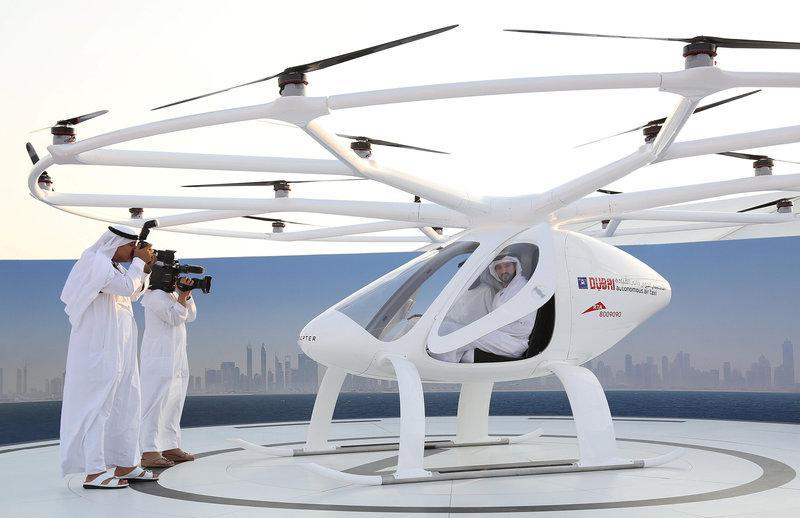 Dubai Crown Prince Sheikh Hamdan bin Mohammed bin Rashid Al Maktoum is seen inside the flying taxi in Dubai, United Arab Emirates September 25, 2017.PHOTO: REUTERS