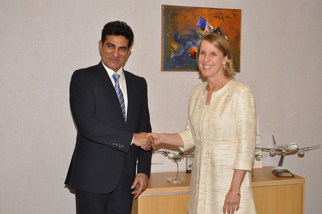 US Consul General, Grace W. Shelton called on CEO PIA, Musharraf Rasool Cyan at the airline's head office and discussed matters of mutual interests PHOTO: PIA