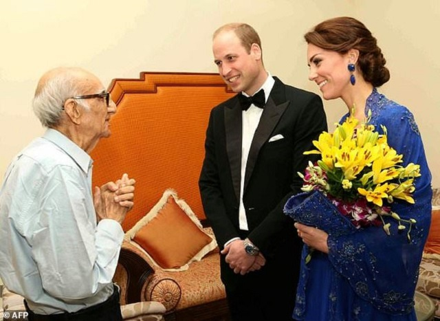 Kohinoor meets Harry's brother Prince William and William's wife Catherine in Mumbai last year PHOTO: AFP