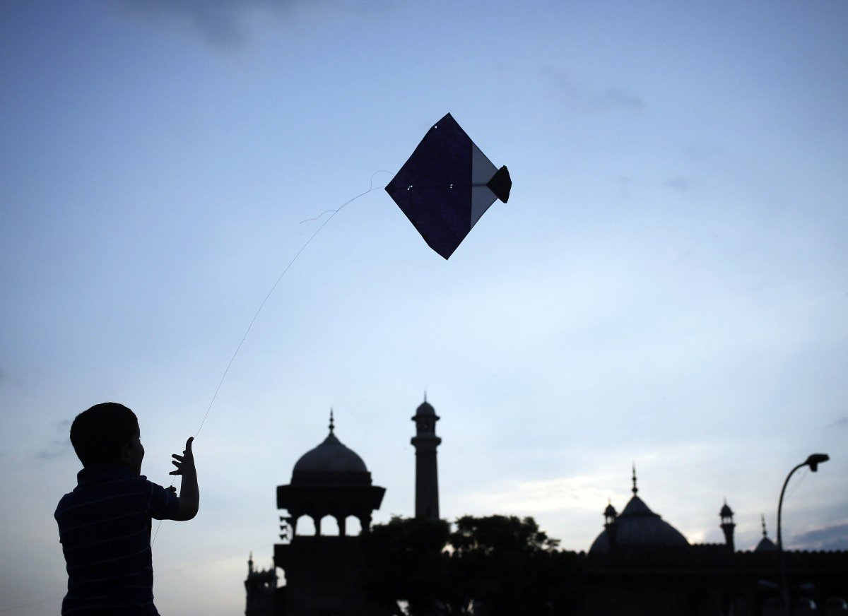 Kite flying. PHOTO: REUTERS