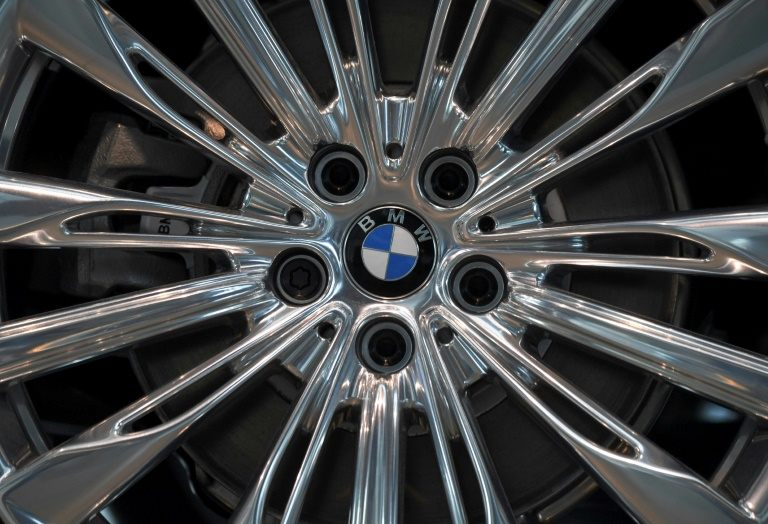 German automaker BMW is being sued in the United States over possible fraud in its emissions-monitoring software. PHOTO: AFP