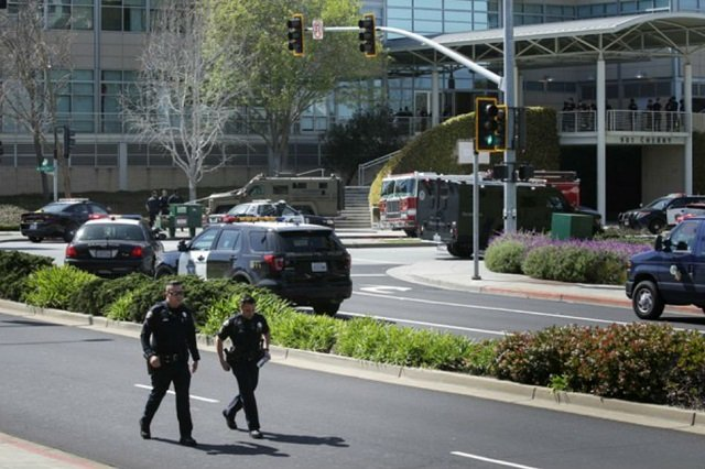 Police officers are seen at Youtube headquarters following an active shooter situation in San Bruno, California, US, April 3, 2018.  PHOTO: REUTERS