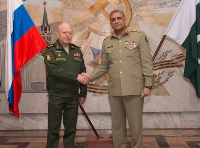 Gen Qamar meets Col-Gen Salyukov at Kremlin Palace after arriving in Moscow. PHOTO: ISPR
