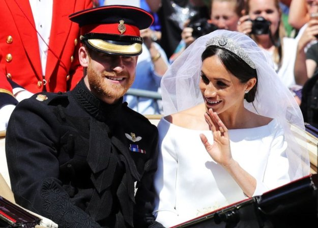 suits cast shares details from their trip to the royal wedding the express tribune suits cast shares details from their