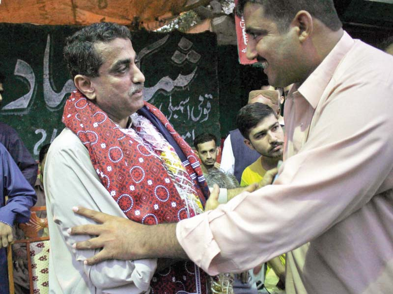 Since his victory, the PTI winner has been receiving felicitations, ajraks and other presents from Lyari residents. PHOTOS: ATHAR KHAN/ EXPRESS