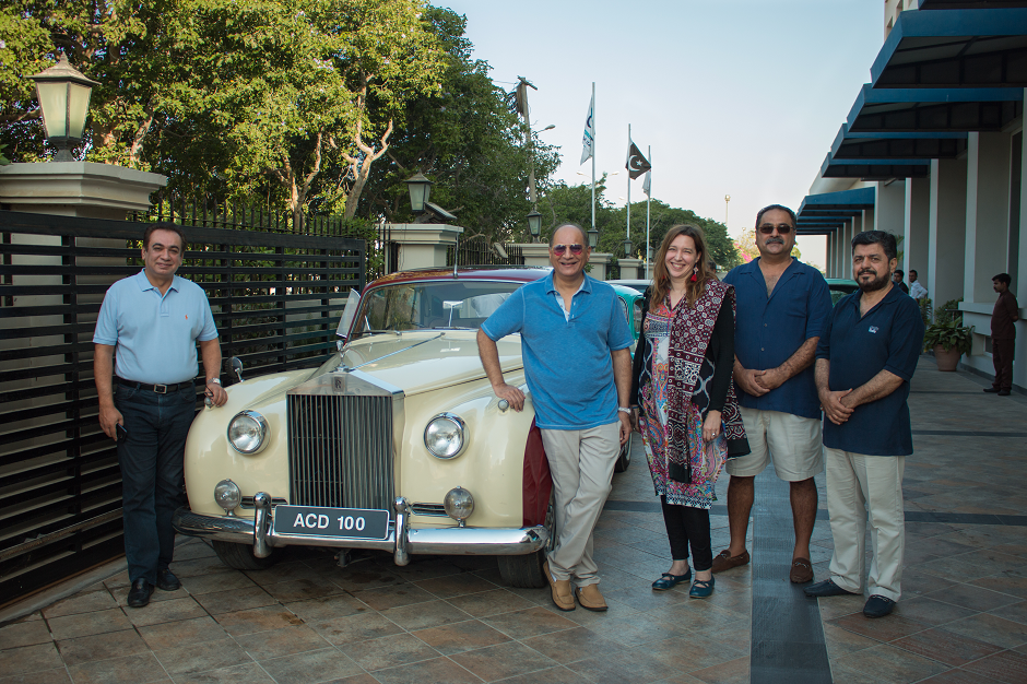 The 9th Annual Classic Car Rally Chairman Tauqir Sultan Awan (2nd L), Mala (3rd L), Qaiser Manzoor (2nd R) and Shahnawaz Khan Mandokhel (R) outside Ramada Karachi Creek Hotel, DHA, Karachi, Pakistan, 17th October, 2018. PHOTO: NARENDAR KUMAR