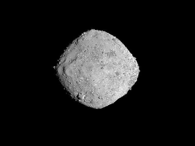 This November 16, 2018 photo from NASA s OSIRIS-REx spacecraft, obtained December 3, 2018 courtesy of NASA/Goddard/University of Arizona, shows the asteroid Bennu from a distance of 85 miles (136 km). PHOTO: AFP