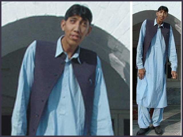 Naseer Soomro is seven feet and nine inches tall. PHOTO: EXPRESS/FILE