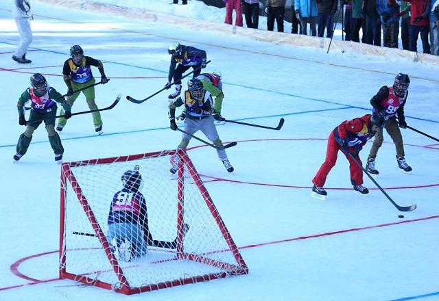 G-B hosts first-ever ice hockey match in Pakistan
