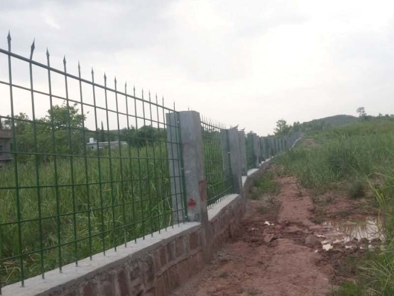 A view of newly constructed boundary of zoological and botanical garden. PHOTO: EXPRESS