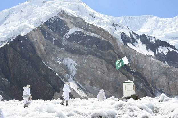 SIACHEN, PAKISTAN- SEPTEMBER 16: Pakistani soldiers patrol where India and Pakistan both claim the area and have thousands of soldiers stationed there in Siachen, Pakistan on September 16, 2019.  At a height of up to 8,000 meters, Siachen is regarded as the  world's highest battlefield due to military conflict between India and Pakistan which was started in 1984. Military life in the region is viewed by Anadolu Agency for the first time in international media. PHOTO: Anadolu Agency