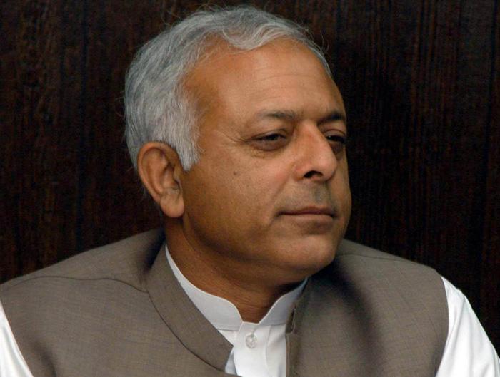 Former petroleum minister Ghulam Sarwar Khan. PHOTO: EXPRESS/FILE