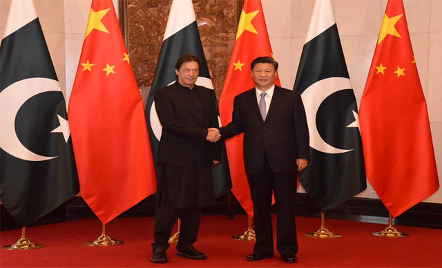 Prime Minister Imran Khan held a meeting with Chinese President Xi Jinping in Beijing. PHOTO: RADIO PAKISTAN