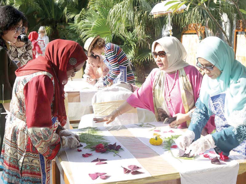 Participants taking part in Batik workshop. PHOTO: DNA