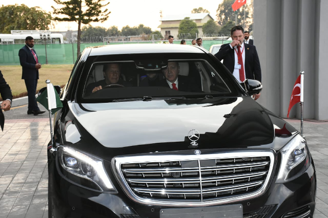 PM Imran personally drives Turkish president from Nur Khan Airbase. PHOTO: EXPRESS
