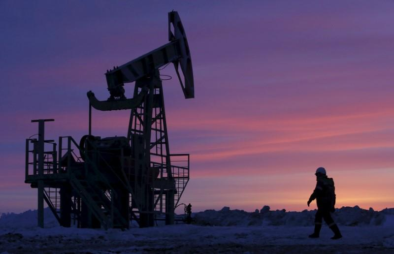 Pakistan lifts ban on import of crude oil. PHOTO: REUTERS