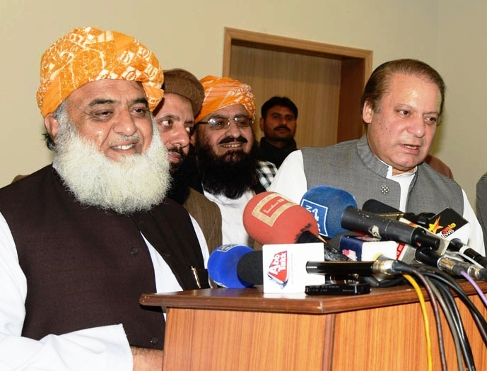 PML-N and JUI-F on Monday agreed to some form of electoral cooperation, with modalities to be chalked out later. PHOTO: ONLINE