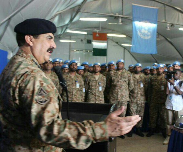 COAS Gen Raheel at the Ivory Coast addressing the troops deployed for Peace Keeping Operations. PHOTO: ISPR